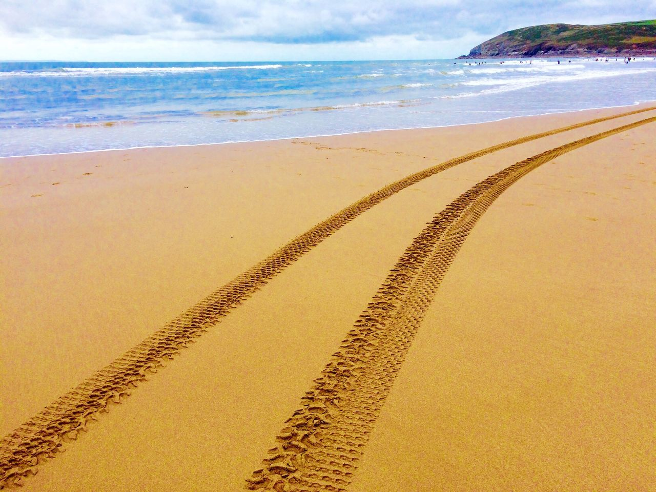 Follow me Beach Beachphotography Beach Life Beach Day Tyre Tyre Tracks Tracks Tracks In The Sand Life Guard Tracks On The Beach Sea Water Horizon Over Water Sand Coastline Outdoors Wave Seaside Devon Coast Croyde