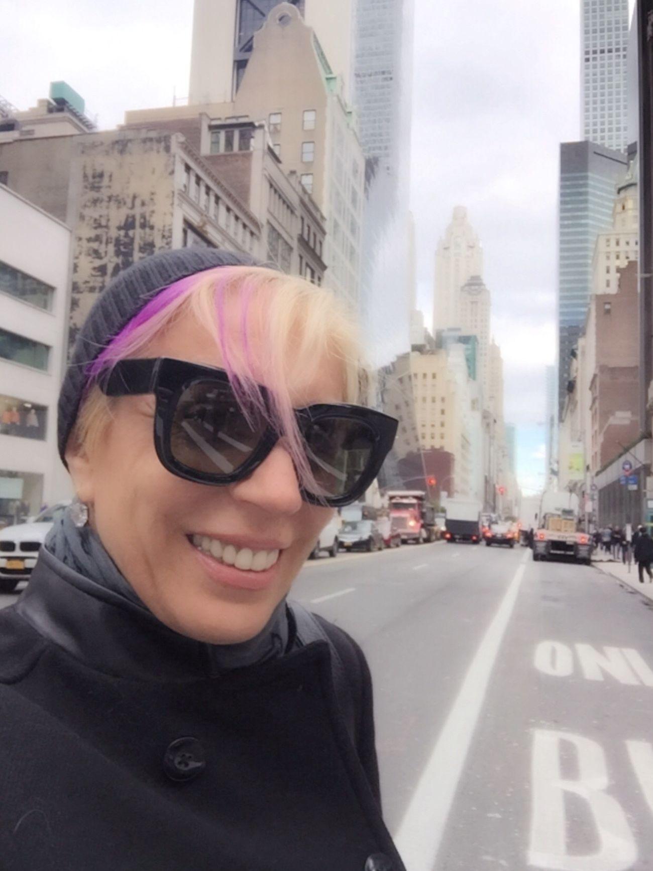 Hi 🙋 Women Women Of EyeEm One Person Happiness Goodnight Beutiful  Streamzoofamily Lovephotography  New York Eyem Best Shots