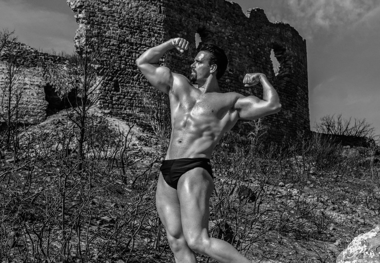 Monochrome Photography BodyBuilder Gesturing Person Monochrome Old Castle Ruins Ruins Architecture Body & Fitness Bodyart Body Curves  Body Curves  Musculation  Muscular Blackandwhite Black And White Blackandwhite Photography Bodybuilding Motivation bodybuilding fitness training BodybuilderLifeStyle Bodybuiling Muscleman Ruin Schwarzenegger Shadow