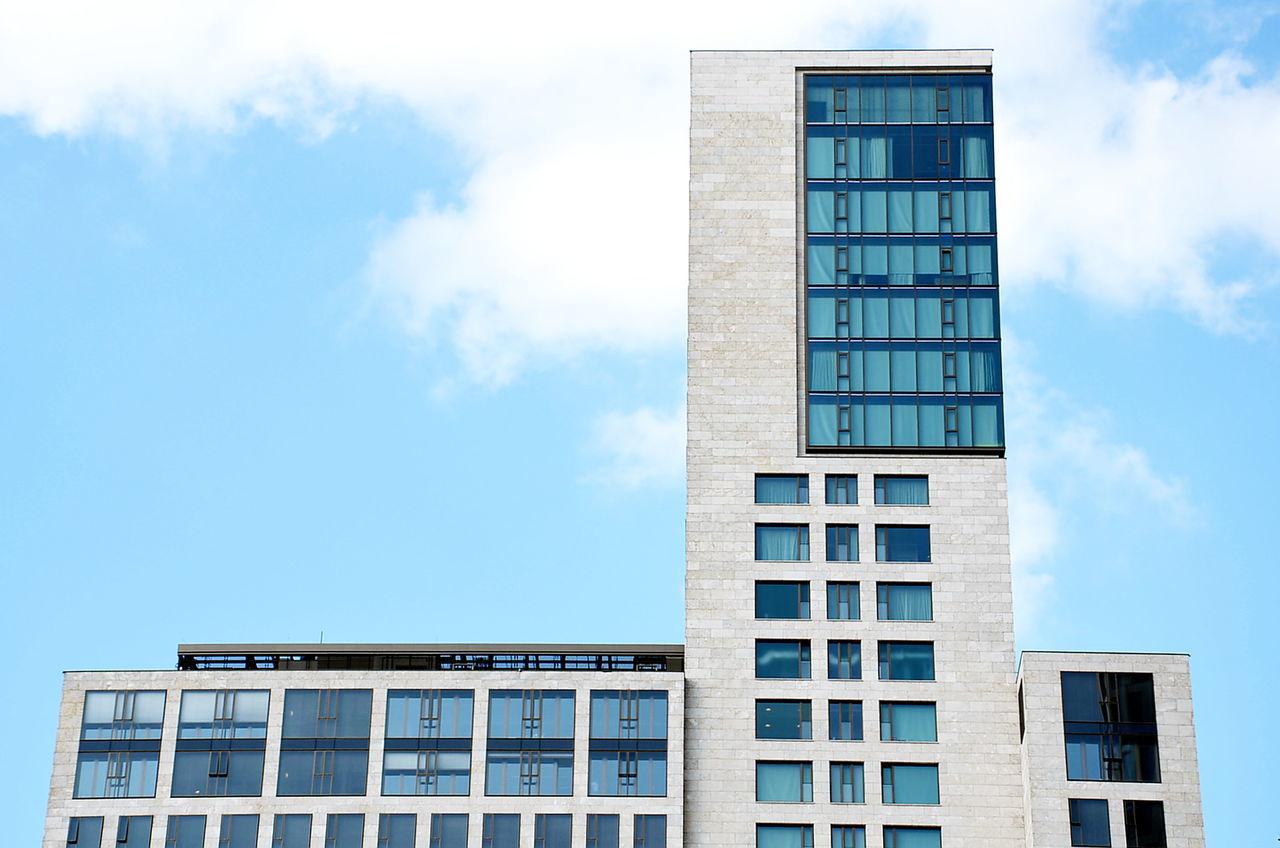 Minimalist Architecture Berliner Ansichten Architecture Building Exterior Built Structure Sky City Skyscraper Office Building Exterior Waldorf Astoria Waldorf Astoria Berlin Best Of EyeEm EyeEm Best Shots Hochhaus The Architect - 2017 EyeEm Awards