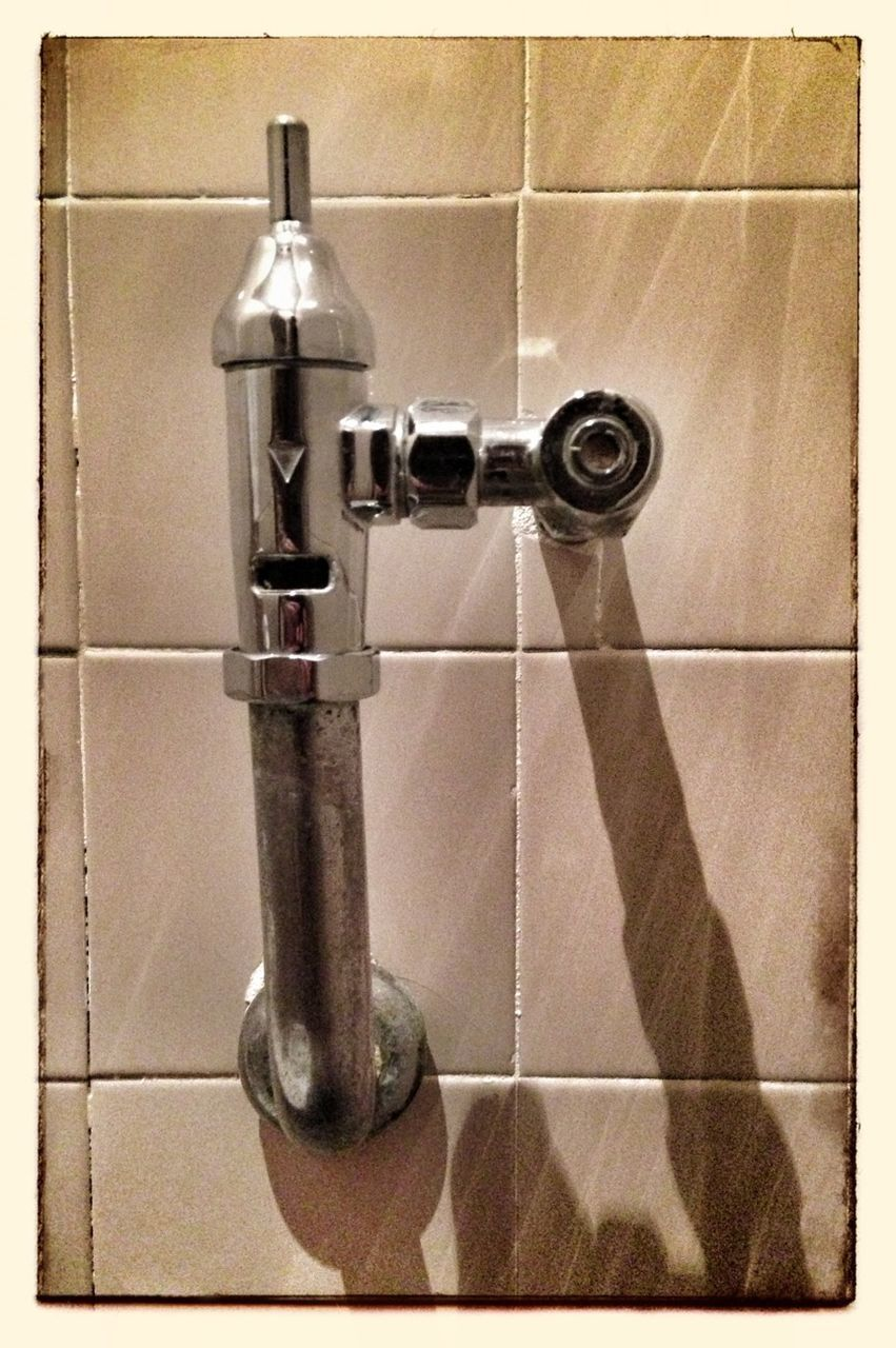 faucet, bathroom, tap, domestic bathroom, tile, indoors, no people, hygiene, water, close-up, domestic room, bathroom sink, day