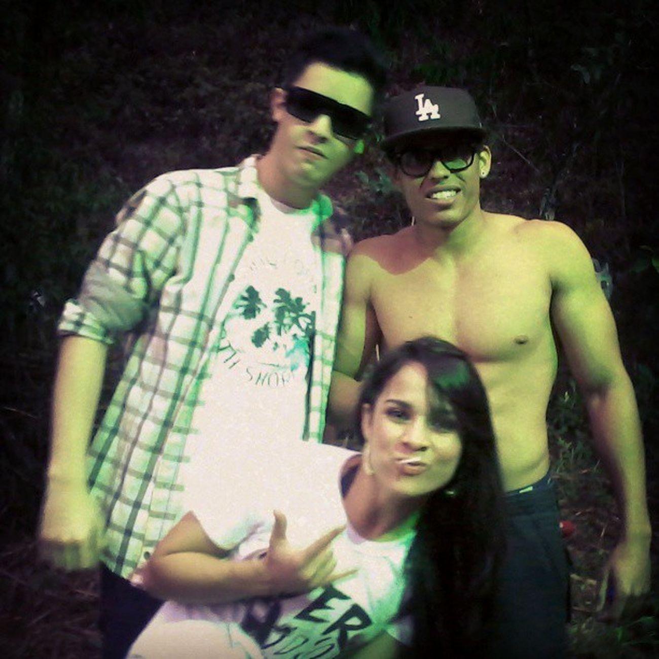 Eu amo tanto vocês seus boçais! *-* Arcadia Arcadia2013 Rave Friends Love Bestfriends Bocais Dorglas Peixorex Crilodoido Tibil sz' @faelpeixoto