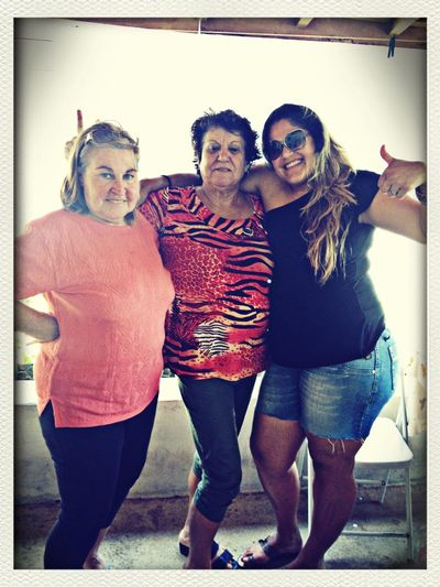 Julie, Ruth, e Luiza... só na breja..