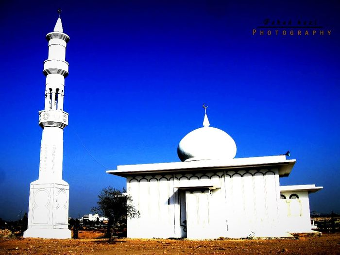Beautiful White Mosque Photography Blue Sky Daylight EyeEm Best Shots Taking Photos EyeEm Gallery Image