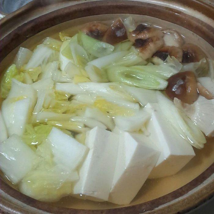 めずらしく平日に鍋を囲んで。 湯豆腐 ばんめし