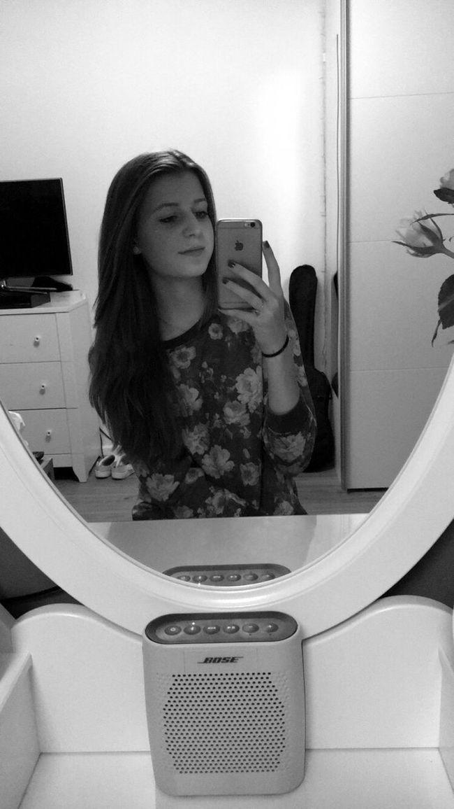 Me Myself And I Mirrorless Black & White Toocooltocare