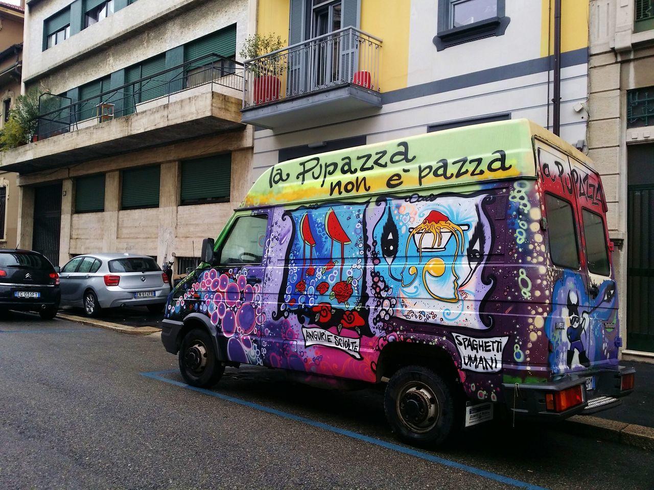 City Street Graffiti Land Vehicle MeinAutomoment Mode Of Transport No People Parking Pupazza Art Is Everywhere