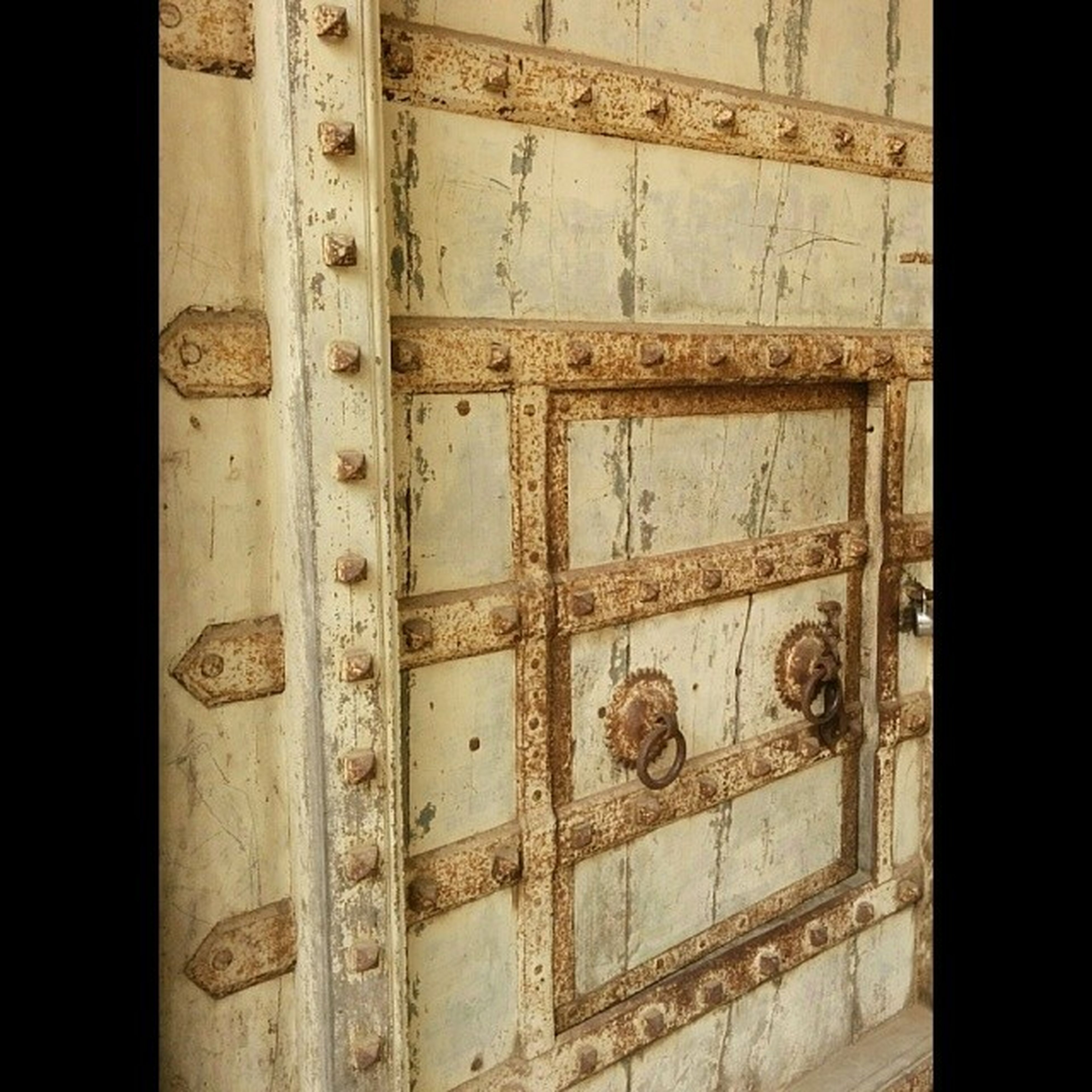 full frame, backgrounds, built structure, indoors, architecture, close-up, old, door, pattern, closed, wood - material, textured, no people, window, wall - building feature, day, building exterior, detail, part of