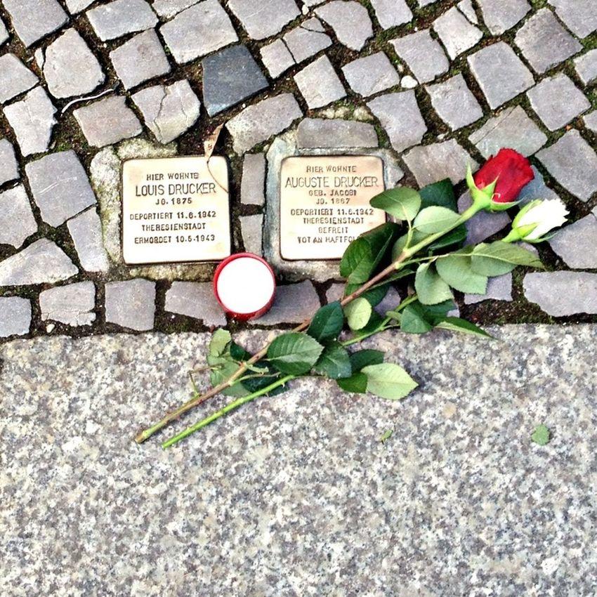 Kind gesture by a stranger for 9. November Stolpersteine