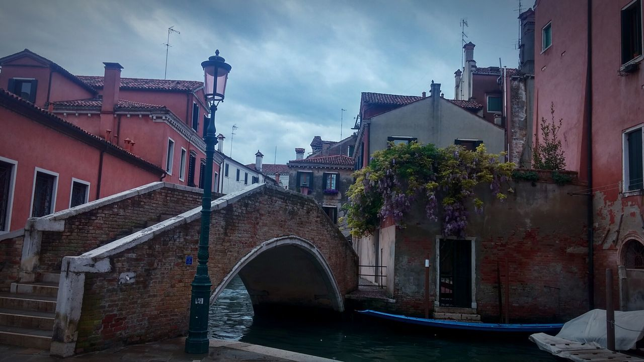 Hello World Taking Photos Hanging Out Cloudy Day Venice, Italy Venice Venezia Bridge Glicine Canal