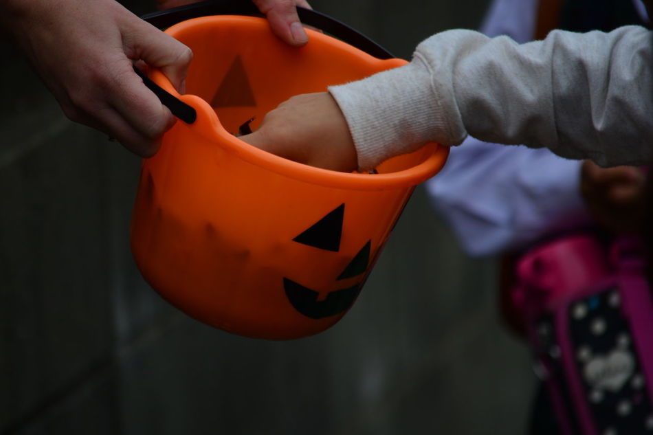 Beautiful stock photos of halloween, Basket, Candy, Cropped, Day