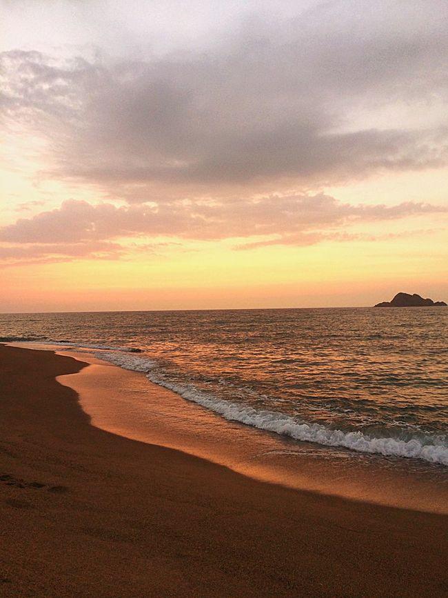日の入り際の地平線 Sunset & Horizon Nature Beautiful Sky Sea VariousColors Clouds And Sky EyeEm Nature Lover