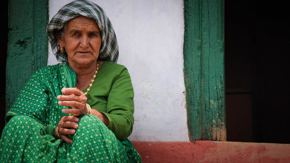 A old woman was waiting for someone. Alone Didihat Hope And Dream Indian Culture  Indian Saree Life Is Beautiful Lifestyles Old Woman Pithoragarh Uttarakhand Waiting