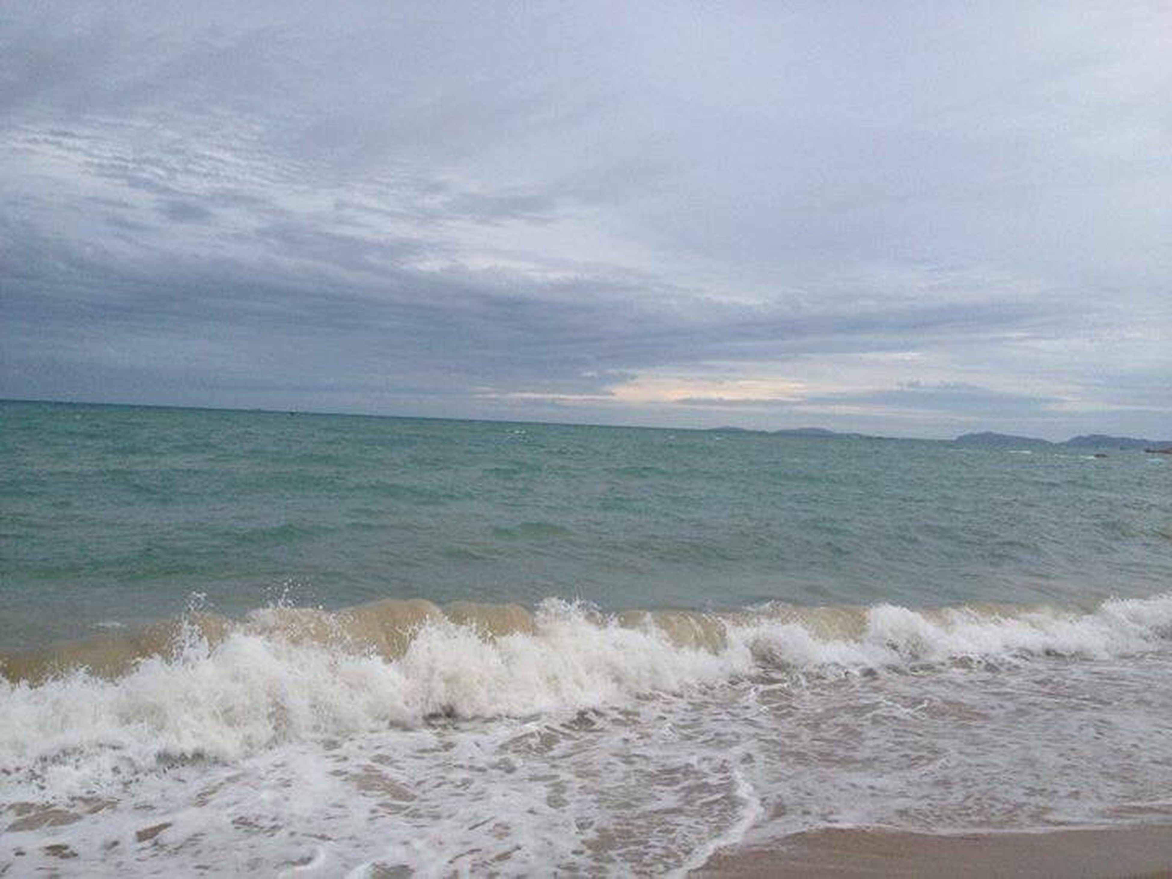 sea, beauty in nature, horizon over water, scenics, beach, sky, cloud - sky, nature, water, no people, wave, outdoors, day