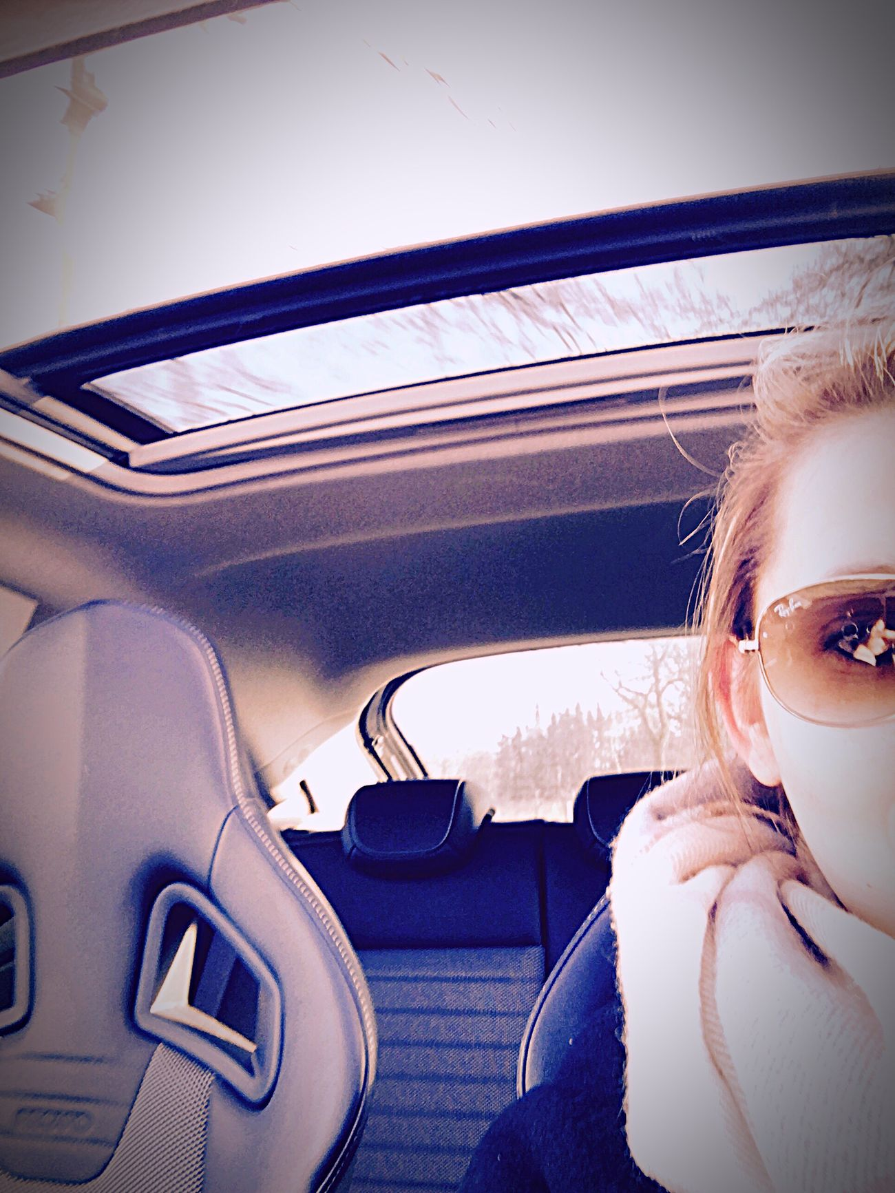 Dach auf!Die Sonne ☀️ scheint! Car Transportation Car Interior Vehicle Interior One Person Travel Opel OPC Corsa Women Journey One Woman Only Leisure Activity Real People Day Only Women Driving People Steering Wheel Adults Only Human Body Part Adult