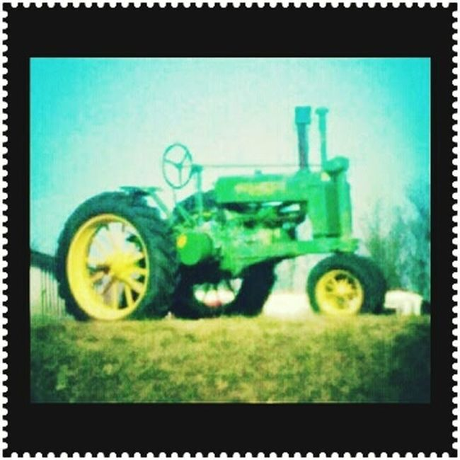 Old tractor Vintage❤ Taking Photos Look What I Found Justlikenew Checkthisout