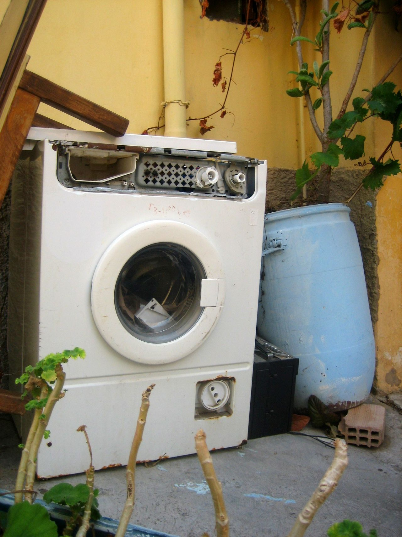 Let's do the laundry Broken Close-up Courtyard  Day Greece Laundry Rhodes Rhodos Washing Machine