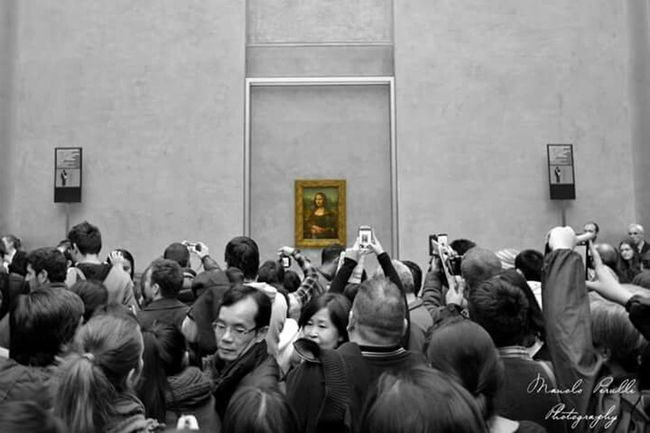 Manolo Perulli Fotografie @ Musée Du Louvre Monalisa Street Photography Colorkey The EyeEm Facebook Cover Challenge Paris, France  Check This Out Enjoying Life Change Your Perspective