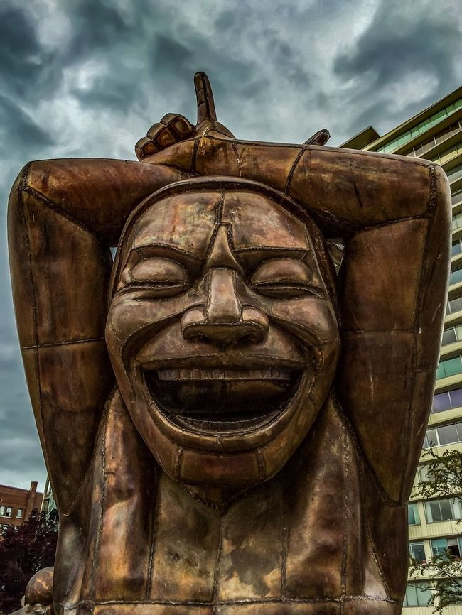 Sculpture Modern Art Metal Vancouver Travel Travel Photography Urban City Cityscapes Statue Canada Emotions Eyeemphotography The Tourist Clouds And Sky Cloudy Urbanphotography Park Laughing Amazing Laughter Statues