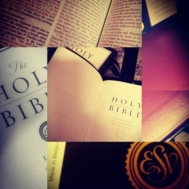 The Holy Bible Anewyeargift from my Dad. Thank you so much Daddy.