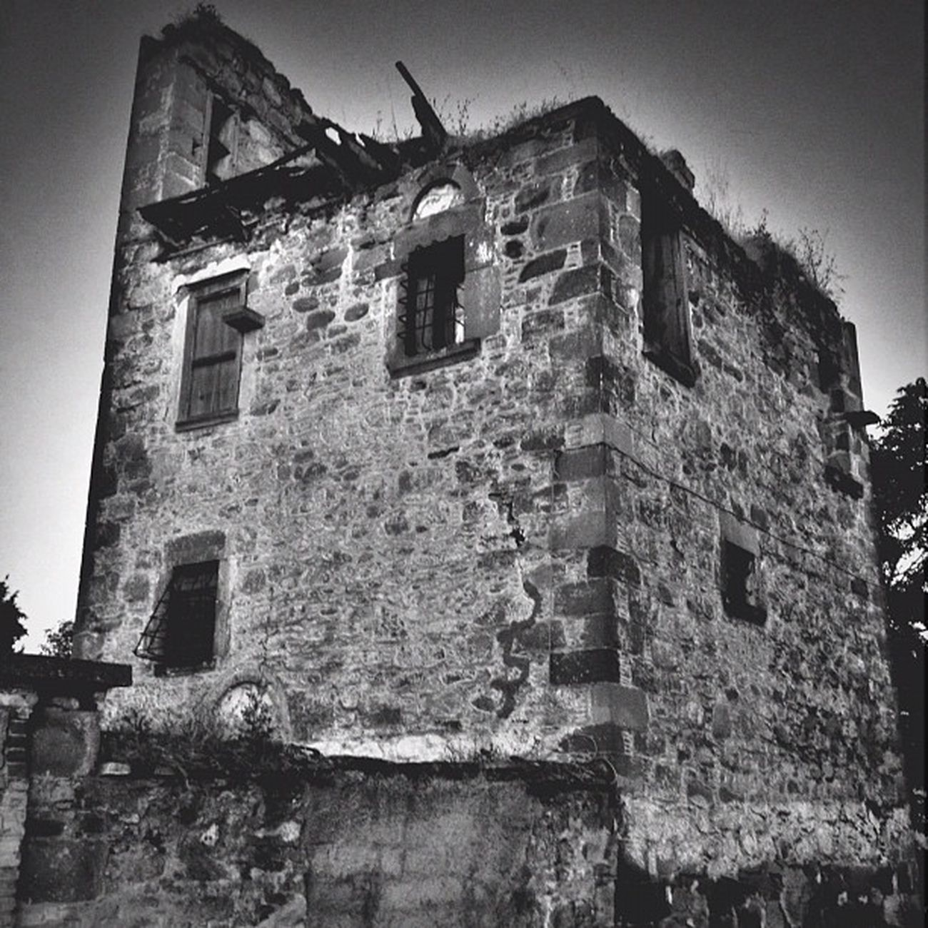 Ruins IPhoneography Greece Mono Photooftheday Igers Photoday Editoftheday Ubiquography Mytilini Instalovers_gr