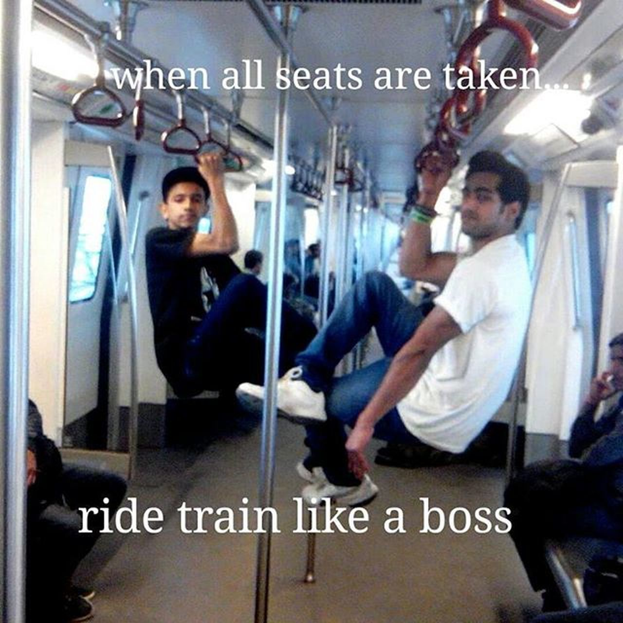 When all seats are taken ... Ride like a boss...@siddharth.lil.beast @anujkumarsw... Travelinstyle Style Onearam Pullup Hold Metro Justforfun Streetworkout Calisthenics Barbrothers Barstarzz Perfect Everywhere Alldayeveryday  India Swi Perfect