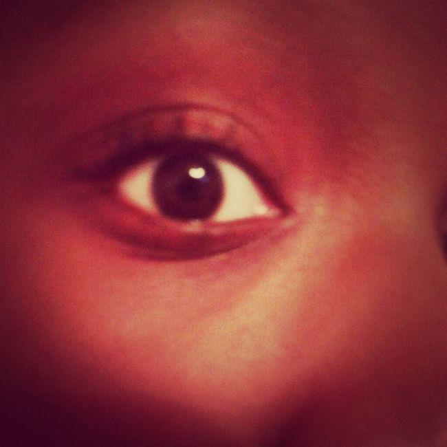 Dark brown eyesss
