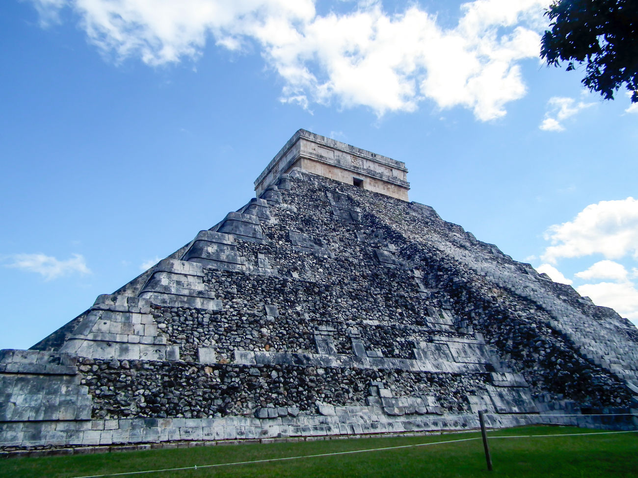 Ancient Civilization Archaeological Sites Archaeology Architecture Chichen Itza El Castillo Famous Place History Kukulkan Low Angle View Mayan Mayan Ruins Mayan Wonders Old Ruin Pyramid Stone Material The Past Tourism Travel Destinations Weathered Yucatan Mexico Yucatan Peninsula Yúcatan