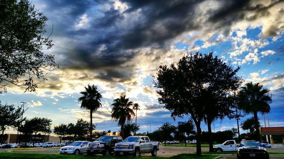 Parking Parkinglot Parking Lot Skyporn USAtrip USA Texas Mcallen City City View  Sky Skylovers Sky Porn Sky And Clouds