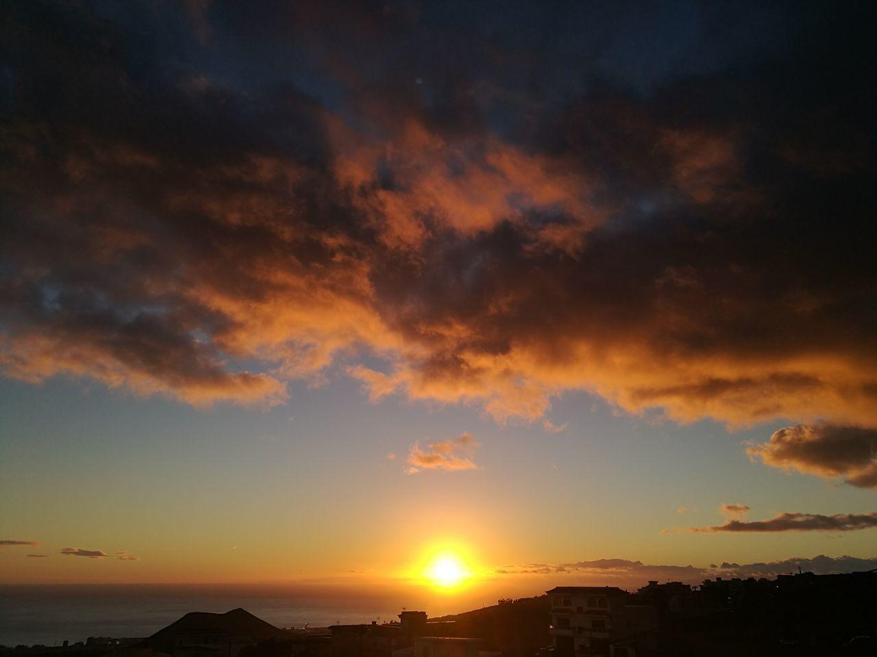 Atardecer Tenerife Tenerife Island Beauty In Nature Natural Beauty Pothography Naturaleza🌾🌿 HuaweiP9Photography HuaweiP9 Orange Color Sunset Gold ColoredBeatiful Good Day Lasabinita Tenerife Sur Sin Filtros Huawei P9.