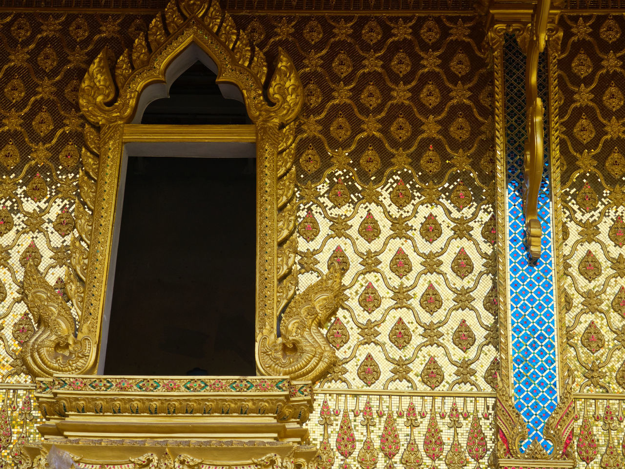 ornate, architecture, built structure, history, gold colored, no people, indoors, day, close-up