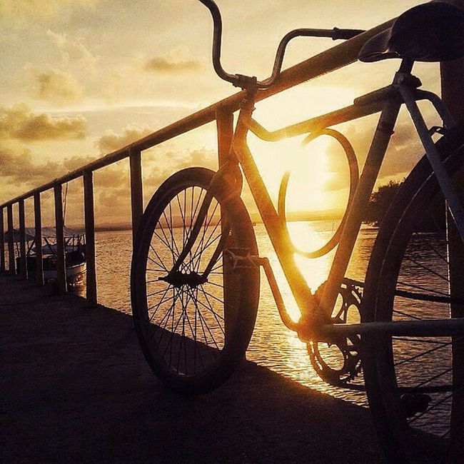 Simplesmente um belo dia para se Pedalar My Life Goodvibes Bahia MyDay Peace The Tourist Sunset #sun #clouds #skylovers #sky #nature #beautifulinnature #naturalbeauty #photography #landscape Brazil Byhappy Nature Bike Thesun