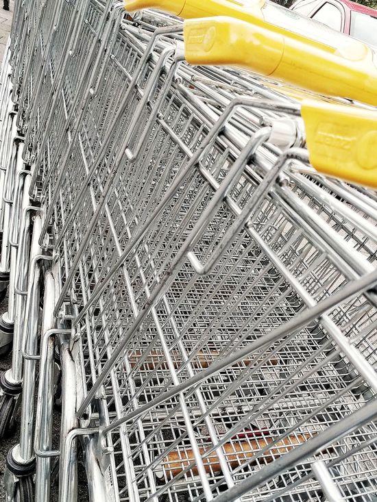 Trolley Supermarket Supermercado Supermercato Grocery Store Groceryshopping Mesh Metal Mesh Fresh On Eyeem