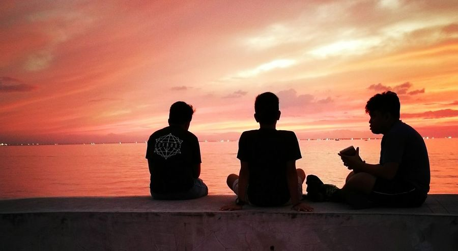 Sunset Friendship Silhouette Sea People Harbor Harbour View Twilight Twilight Sky Twilightscapes Twilight View Twilight Scene Friends FRIENDSHIPGOALS Manila Mobile Photography Skyline Vanilla Twilight Friendships Coast Sunset Silhouette Sun Set Sunset View. EyeEmNewHere Children Photography View from harbor square manila.philippines Adapted To The City Welcome To Black Long Goodbye The Street Photographer - 2017 EyeEm Awards