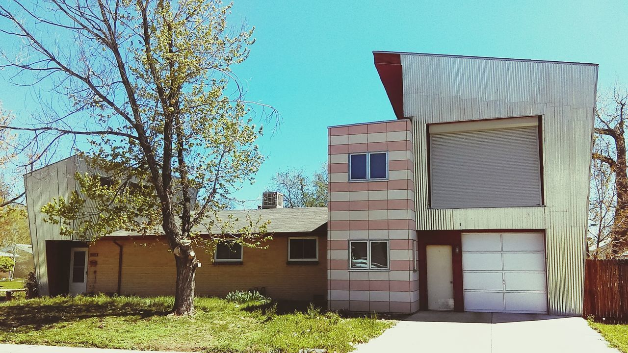 Architecture Building Exterior Built Structure House Window Outdoors No People Day Residential Building Sky One Of A Kind  in Arvada Colorado Neighborhood Map The Architect - 2017 EyeEm Awards