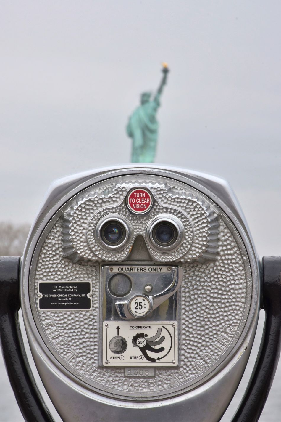 Beautiful stock photos of statue of liberty, American Culture, Coin-Operated Binoculars, Concepts & Topics, Copy Space