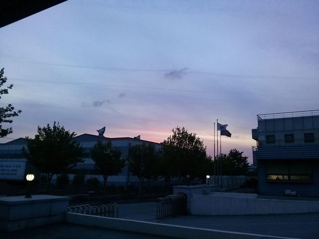 When i finish work. Beautiful sky :) Sky In Heaven I Love Sky
