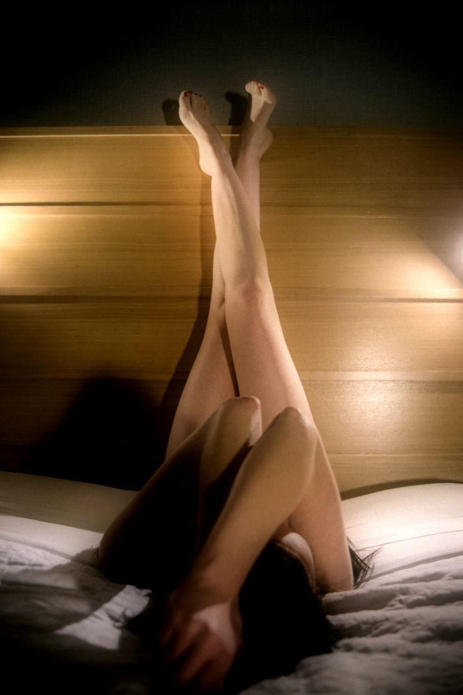 Model: Randi- Intimate Intimatehours Skintimatebeauty Intimate Light Source Nüde Art. Creative Light And Shadow