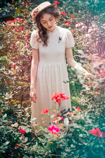 Vintage❤ Portrait Girls Fashion Garden Beautiful ♥ Beautiful Girl Lace Dress