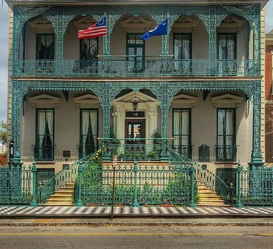 Bed and breakfast.... Charleston Architecture Southcarolina Charlestonsc Travel Hotel City American Window Doors BnB Therutledgehouse