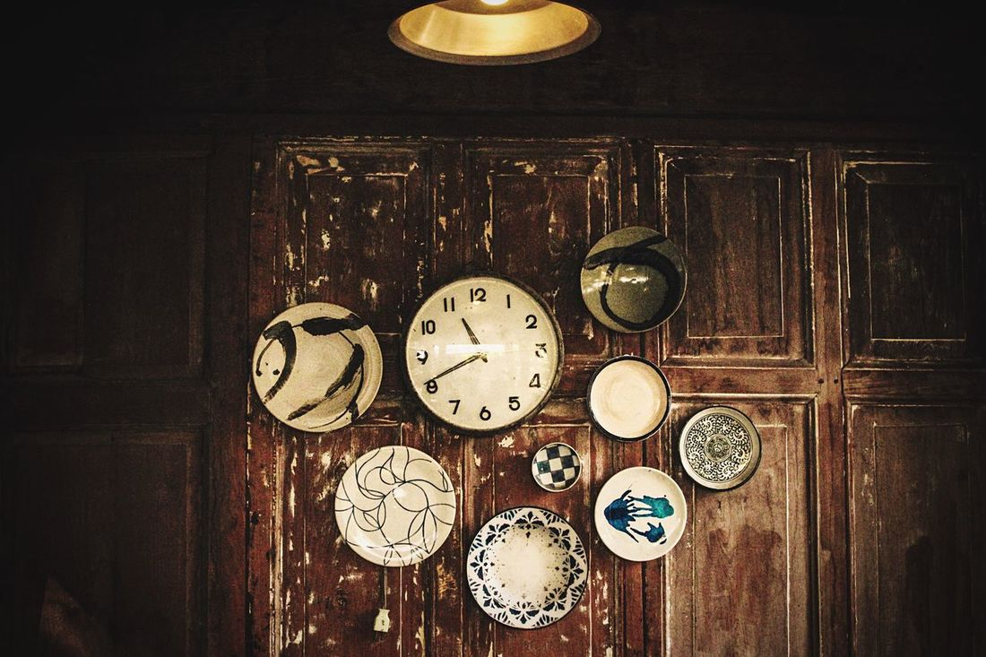 Time Clock Indoors  Hanging No People Old-fashioned Table Minute Hand Clock Face Day Vintage Vitage Light Vintage Fashion Decoration Decor Decorated Classic Clocks Wall Decoration Wall Decor WALL DECO CLOCK Old Old-fashioned Oldtimer Life EyeEm Diversity