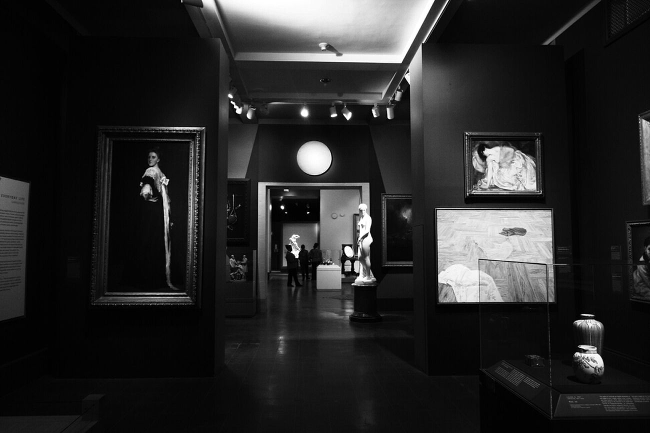 A day at the museum Art Black And White Museum Black & White Monochrome Bws_worldwide Bwstyles_gf Bws_artist_eu