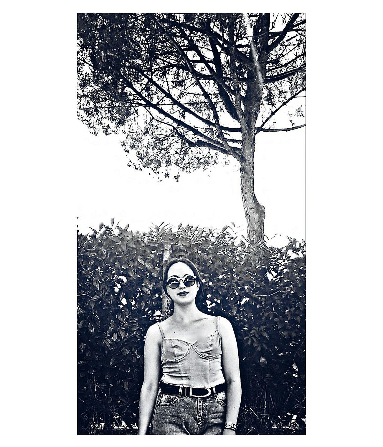 🐟🐳🐟 Relaxing Photography B&W Portrait Black & White On The Road Enjoying Life Hello World People Portrait Girls