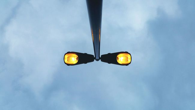 The OO Mission Minimalism Pole Lights Street Lights Street Pole Light Street Light Silhouette Light And Sky Starring Eyes Eyes That Stare The Innovator Fine Art Photography