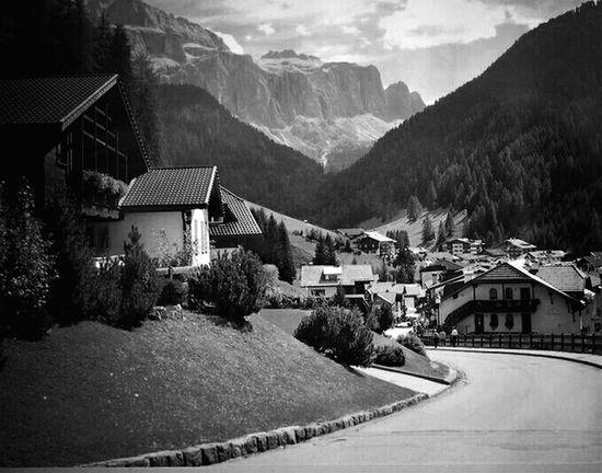 Vanishing Point Taking Photos Enjoying Life Streetphoto_bw Black&white Htcphotography HTC One