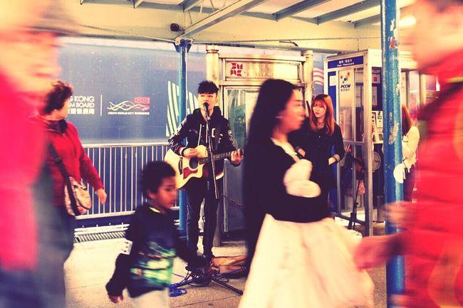 香港 Hongkong Photos The Streets Street Performance Singer  手机摄影 PhonePhotography 马路
