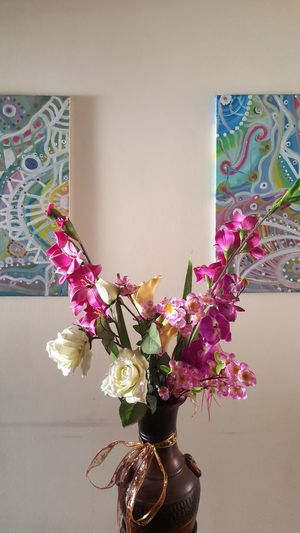 home Flores Picture Movilgrafias Pink White #colours #photography #day #home Flower Indoors  No People Multi Colored Day