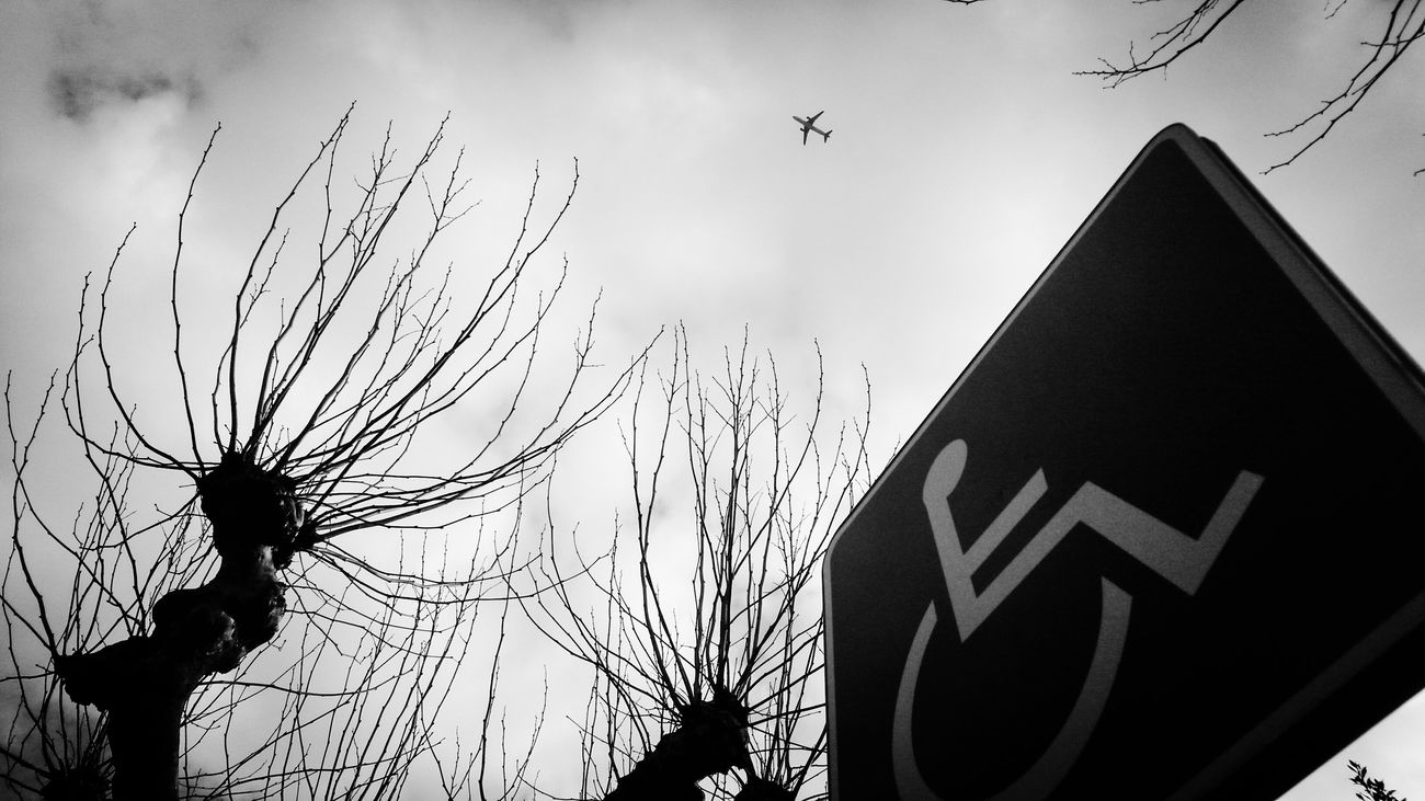 Ethereal Urban Skyscapes Sky Collection Collection Monochrome Blackandwhite Black And White Streetphotography Streetphoto_bw Serie Bw_collection