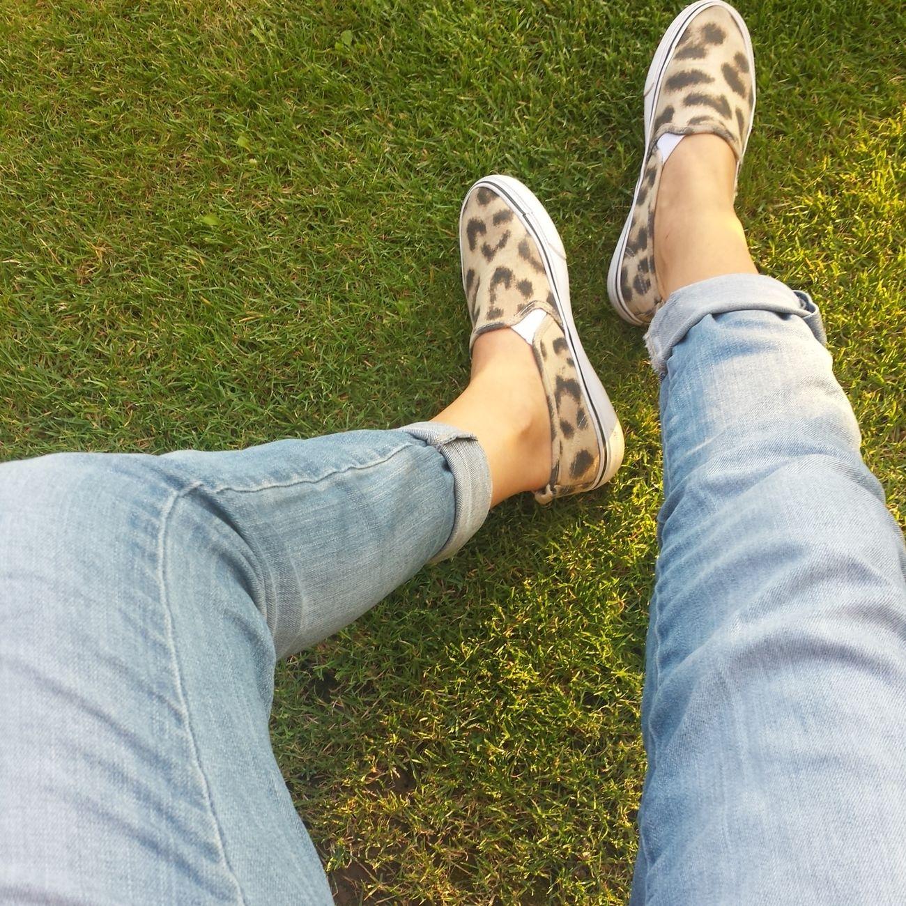 ???Chillin Summer Legs Slipon