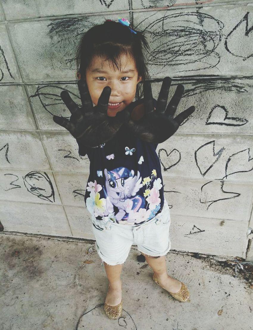 Girl Asian Girl Drawings Whiteboard Traditionaldrawing Imagination BlackHands Playful